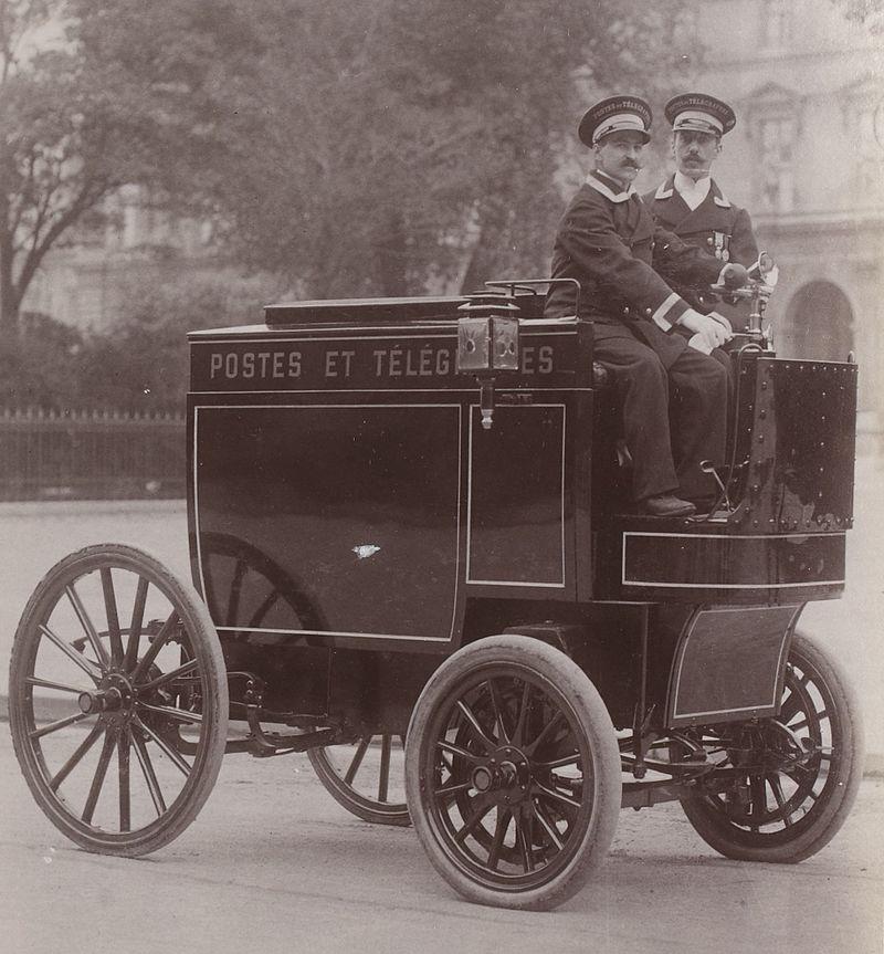 Véhicule_postal_en_1901.jpg