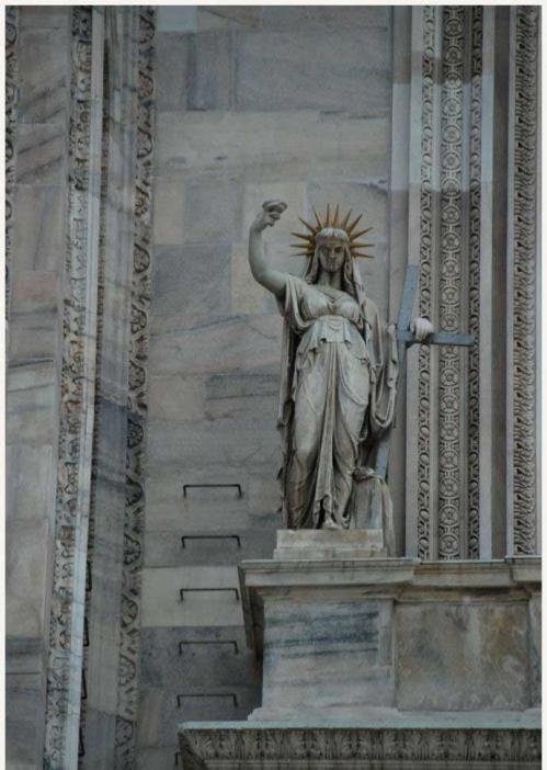 StatueLibertéMilan11.jpg