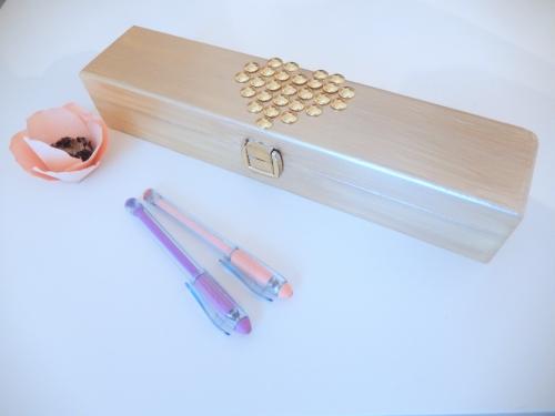 DIY accessoire bureau: customiser une boite pour ses stylos