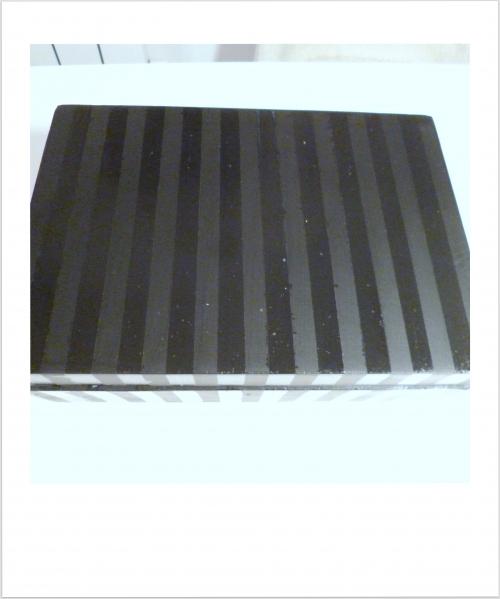 des rayures mat et glossy pour customiser une boite