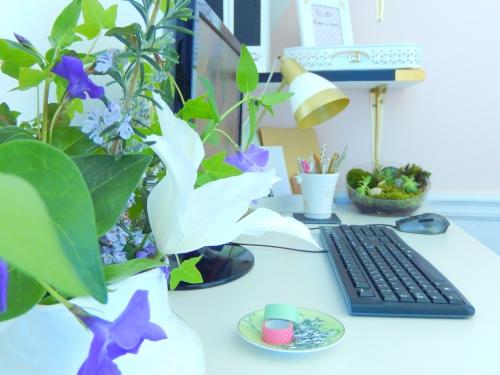 des fleurs fraiche pour mon bureau
