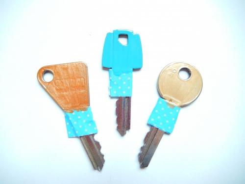 Passer trois couches de vernis sur vos clés