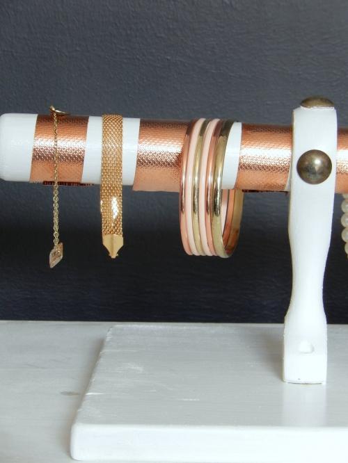 DIY  un présentoir pour bracelets 9