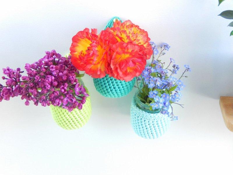 diy des vases muraux au crochet 4
