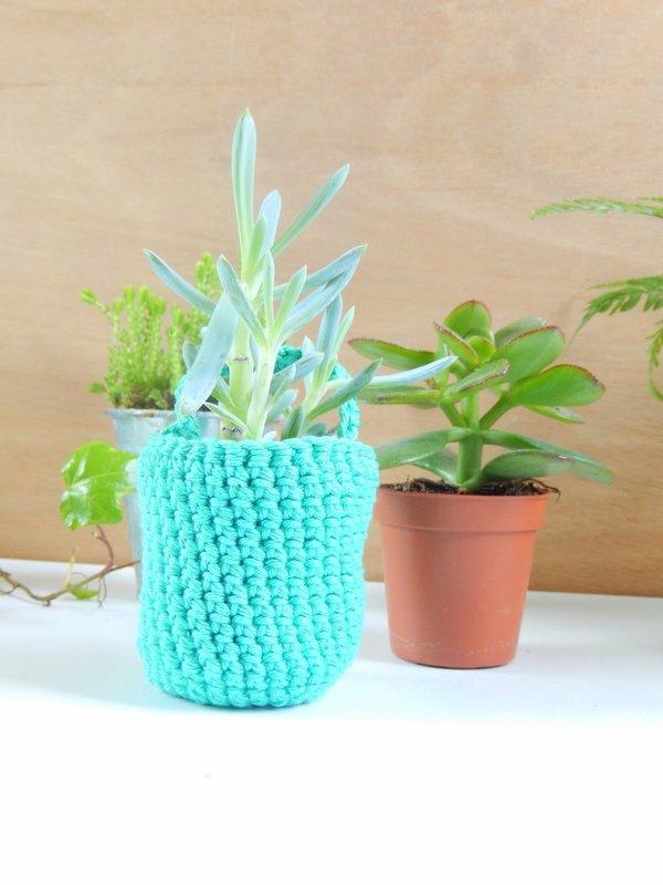 diy des vases muraux au crochet 5