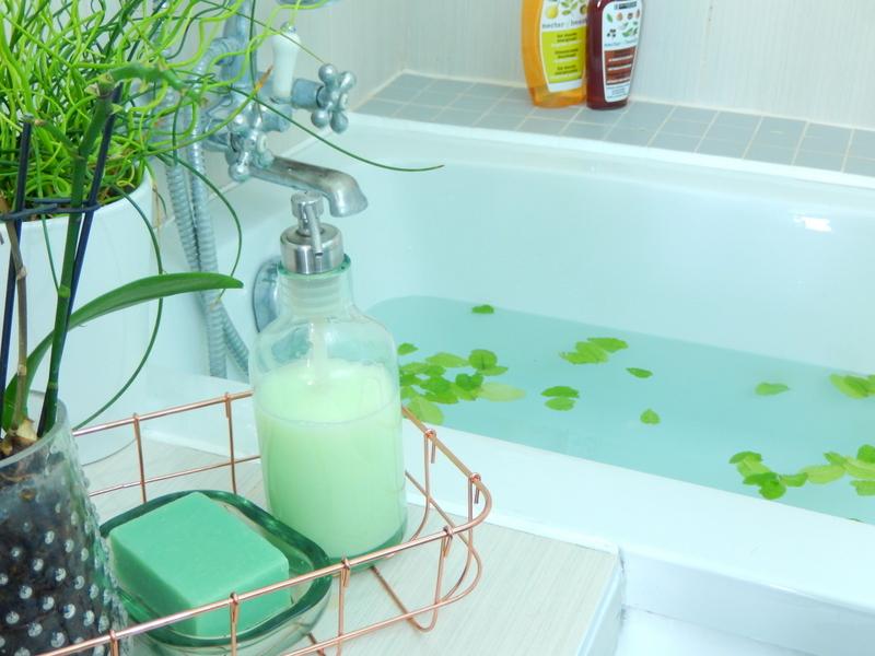 une salle de bain cocooning