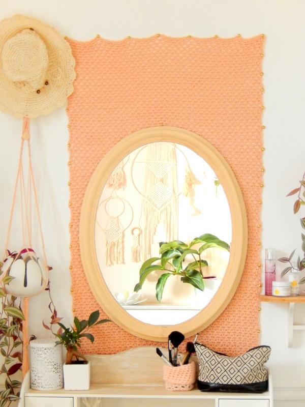 diy une tenture murale au crochet en guise de papier peint 4