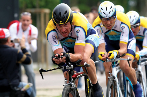 Armstrong_giro4_roadbikeaction.jpg