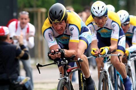 Armstrong_giro4_roadbikeaction.jpg