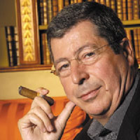 balkany  fumant  le  cigare.png