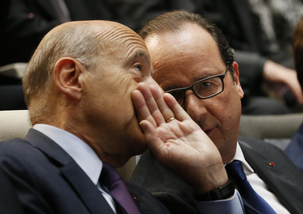 alain-juppe-maire-de-bordeaux-et-francois-hollande-president-de-la-republique-lors-de-l-inaugurati_exact1024x768_l.jpg