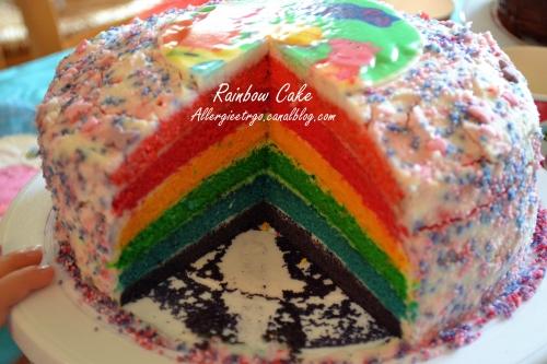 Rainbow cake4.jpg