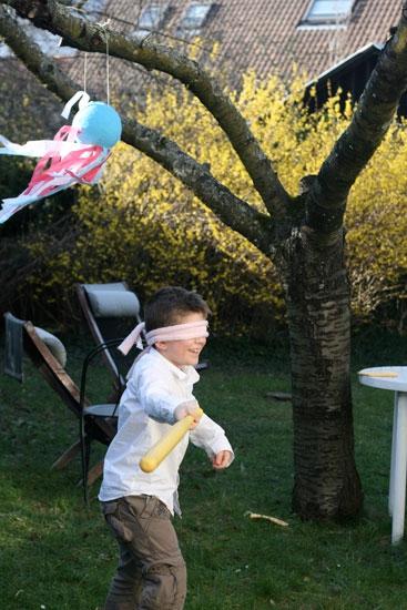 friandises-dans-des-ballons-pour-fetes-d-anniversaires-des-enfants.jpg