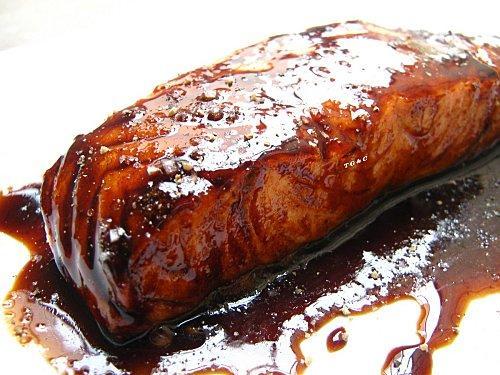 saumon-laque-caramel-reglisse-polenta-crousti-L-u0hJMM.jpeg