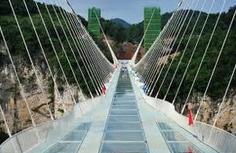 Pont de verre de Zhangjiajie.PNG