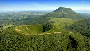 Volcan Auvergne.PNG