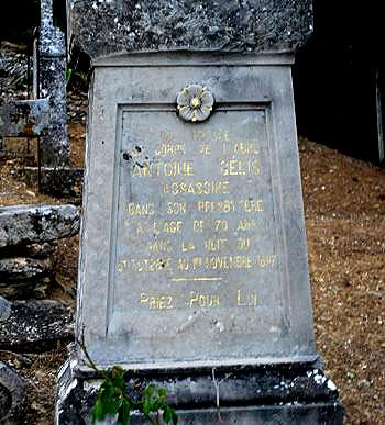 Gelis'Tombstone.jpg