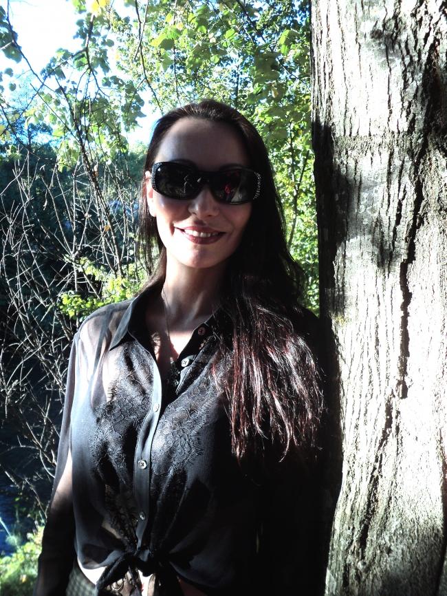 DarkGlasses.JPG
