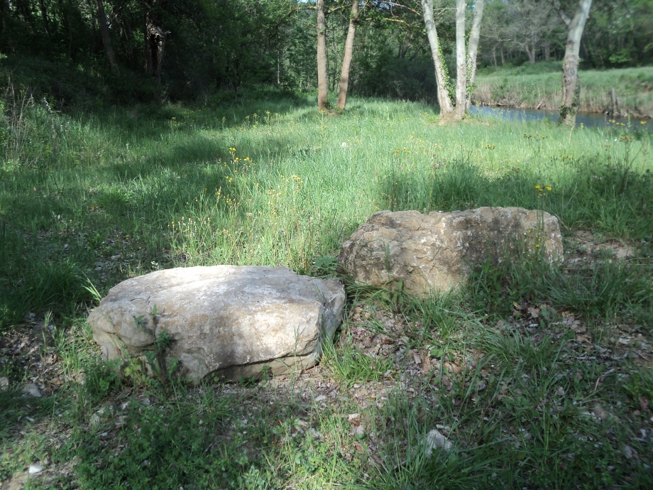 StonesOnLeft.JPG