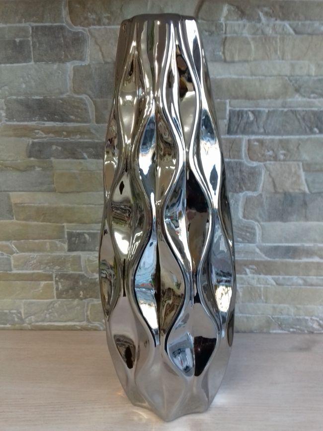 Vase céramique à facettes. Hauteur 37 cm. 39 €