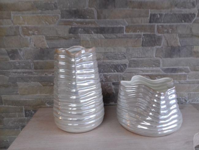 Vase céramique nacre, hauteur 20 cm et 11 cm. 29 € et 22 €