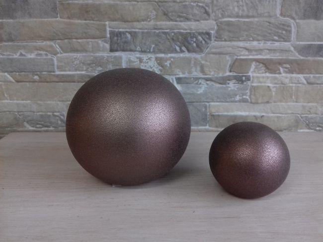 Lot de boules décoratives mordorées, hauteur 10 cm. 19 €