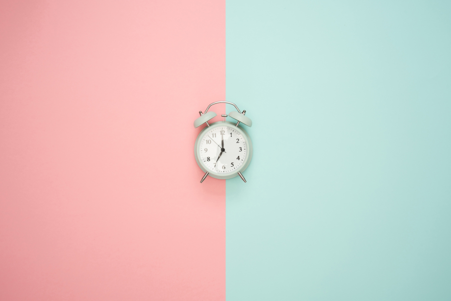 gray-double-bell-clock-1037993.jpg
