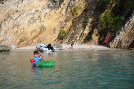 plage little bay.jpg