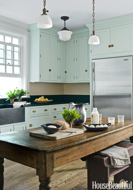 01-hbx-mint-kitchen-cabinets-1112-lgn.jpg