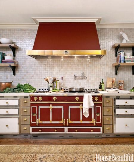 03-hbx-red-stove-0312-lgn-37127546.jpg
