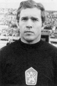 Ivo Viktor.jpg