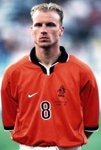 Dennis Bergkamp.jpg