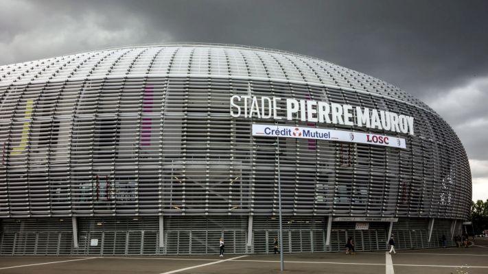 Stade Pierre Mauroy.jpg