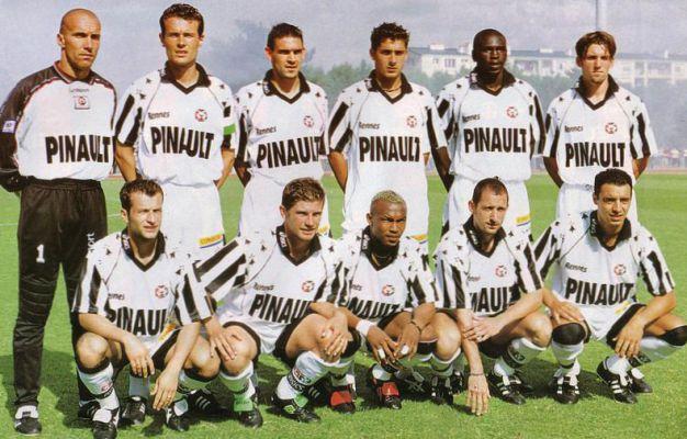 Stade Rennais 1999 2000.jpg