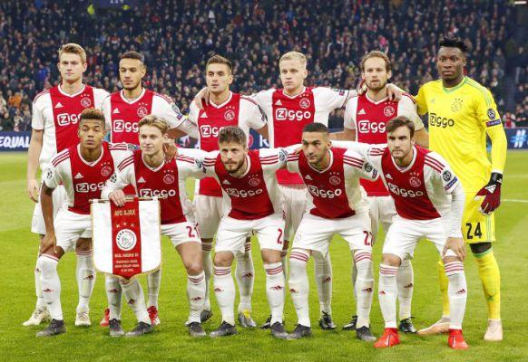 Ajax Amsterdam 2019.jpg