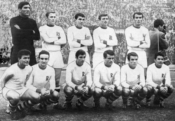 Rapid Bucarest 1967.jpg