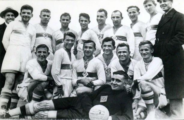 Dynamo Moscou 1936.jpg