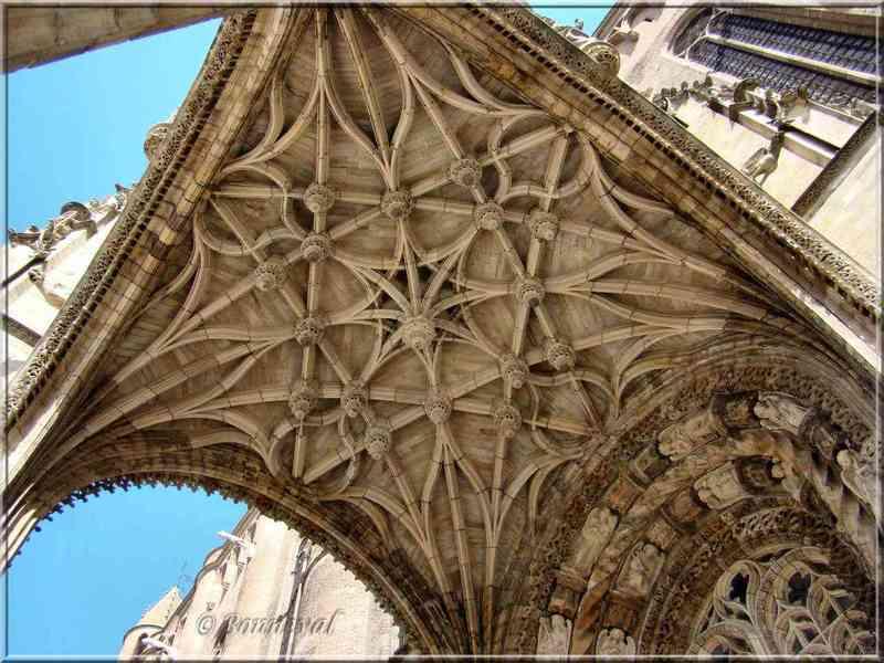 baldaquin cathedrale.jpg