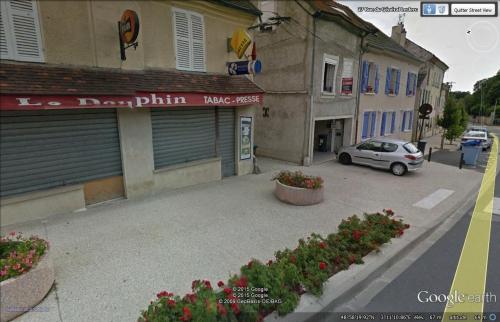 café Le Dauphin Luzancy.jpg