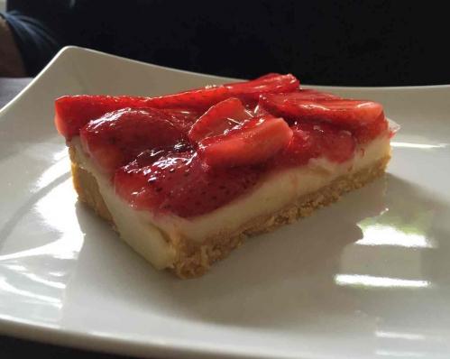 part de tarte fraise.jpg