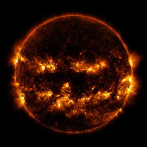 Les régions actives du Soleil.PNG