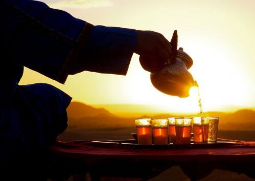 Thé dans le désert.PNG