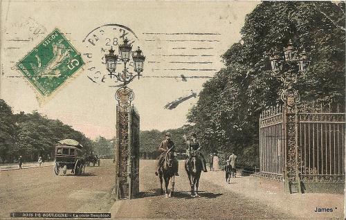 BOIS DE BOULOGNE - la porte Dauphine28 05 1912.PNG
