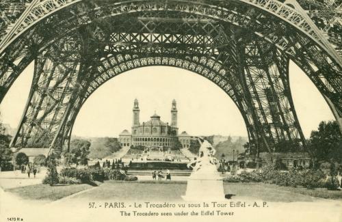 Le Trocadéro vu sous la Tour Eiffel.PNG