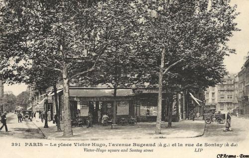 place Victor-Hugo l'avenue Bugeaud à g. et la rue de Sontay à d..PNG