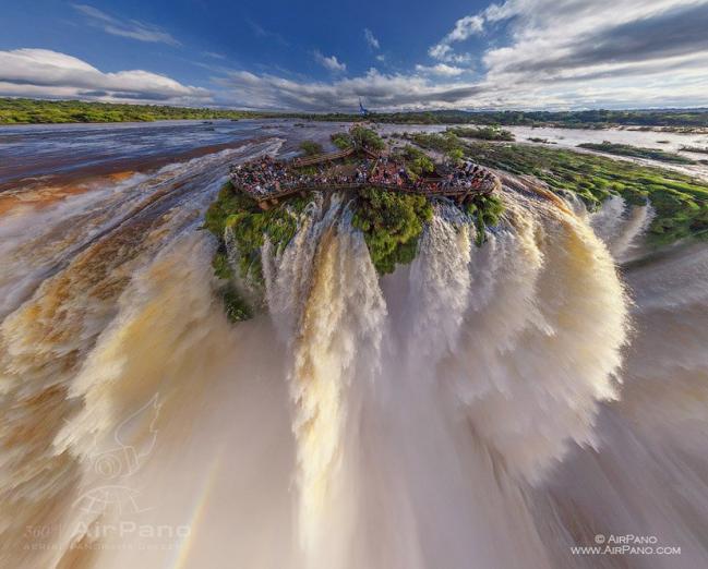 Iguasu Falls Argentina-Brazil.PNG
