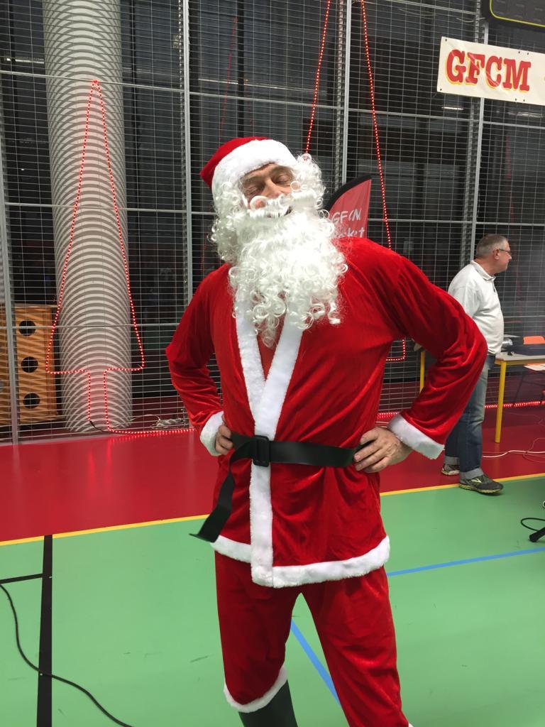 le Père Noel prend la pose
