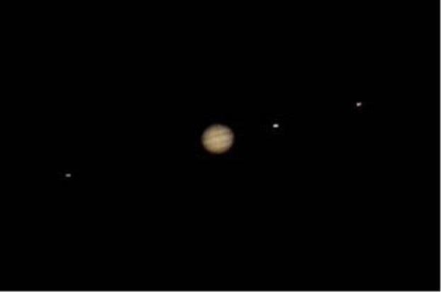 Jupiter et ses satellites.jpg