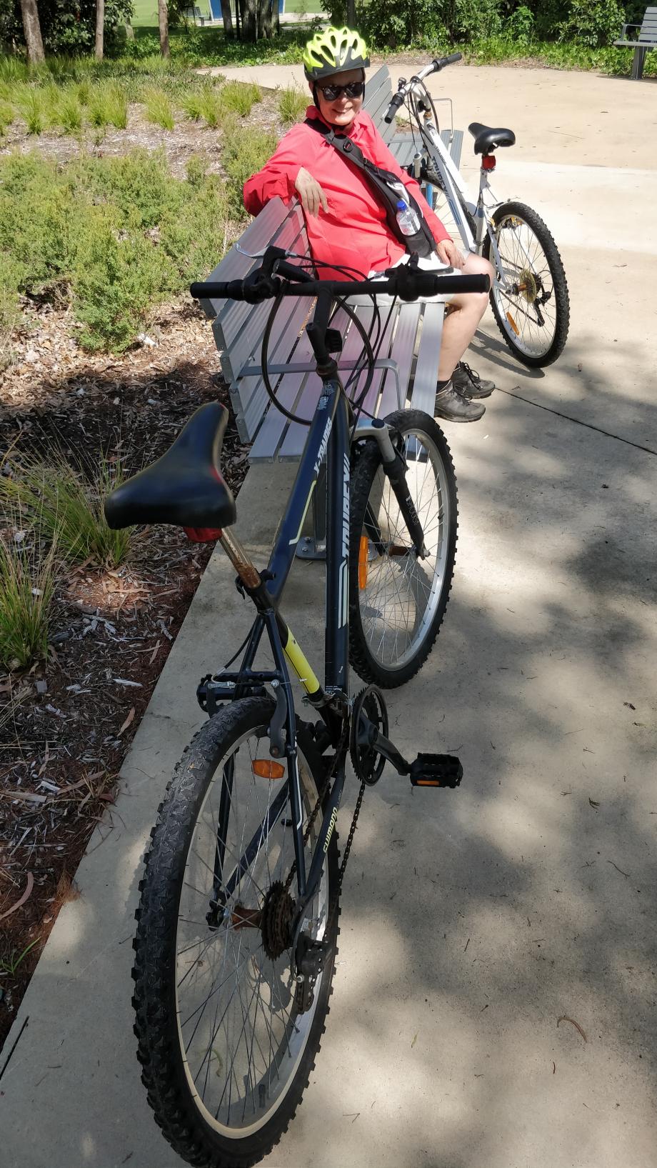Casques obligatoires en Australie, mais pas les freins sur le vélo !