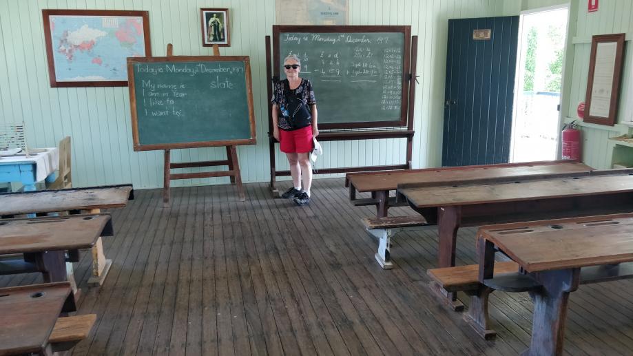 Salle de classe et sa maîtresse